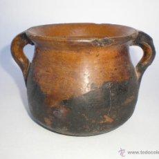 Antigüedades: ANTIGUA OLLA DE BARRO VIDRIADO PARA COCINAR DIRECTAMENTE EN EL FUEGO, 2 ASAS. Lote 54444758