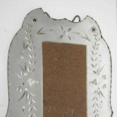 Antigüedades: PRECIOSO PORTAFOTOS ANTIGUO VINTAGE CRISTAL TALLADO VENECIANO AÑOS 40 PORTA FOTOGRAFIA. Lote 54457749
