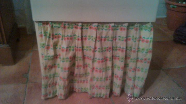 Antigüedades: Antigua mesa auxiliar costurero,con estante y cortina. Siglo xix/xx - Foto 7 - 54475961
