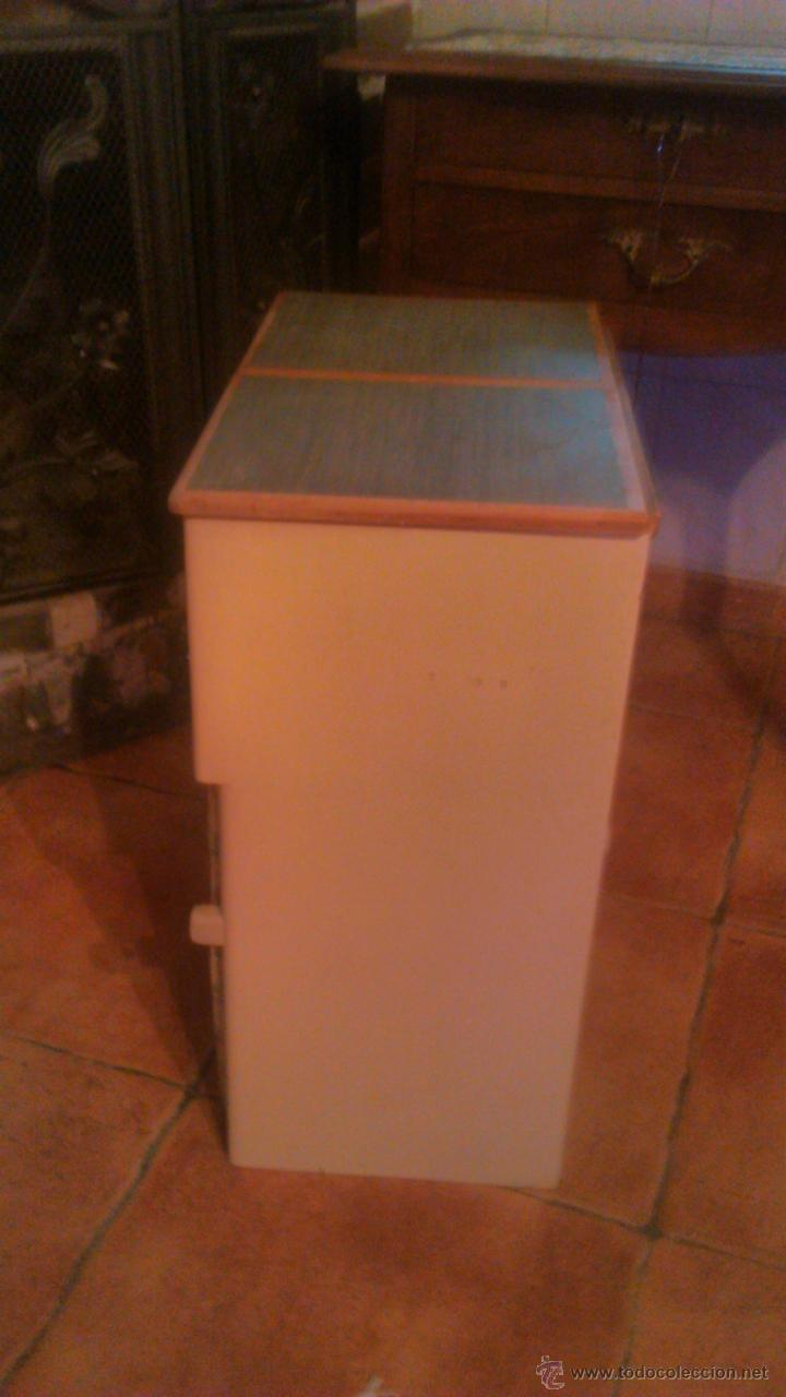 Antigüedades: Antigua mesa auxiliar costurero,con estante y cortina. Siglo xix/xx - Foto 10 - 54475961