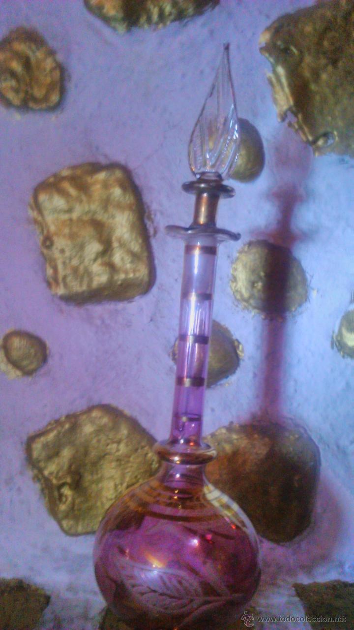 Antigüedades: exquisito perfumero de cristal baccarat con dibujos grabados y oro.años 30/40 - Foto 2 - 54476677