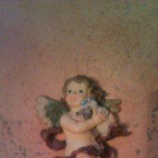 Antigüedades: PRECIOSO ANGELITO SOBRE LAS NUBES CON 2 OVEJAS.RESINA.. Lote 54476992