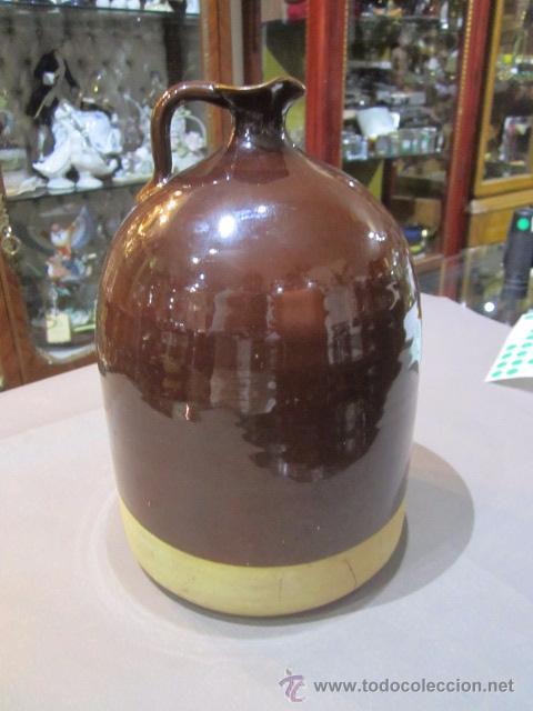 Antigüedades: Jarra de barro vidriado en marrón. 23 cms. altura x 14,5 cms. diámetro base marcas - Foto 2 - 54487169