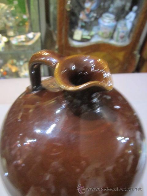 Antigüedades: Jarra de barro vidriado en marrón. 23 cms. altura x 14,5 cms. diámetro base marcas - Foto 3 - 54487169