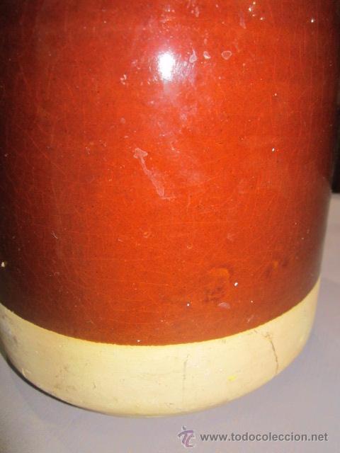Antigüedades: Jarra de barro vidriado en marrón. 23 cms. altura x 14,5 cms. diámetro base marcas - Foto 5 - 54487169