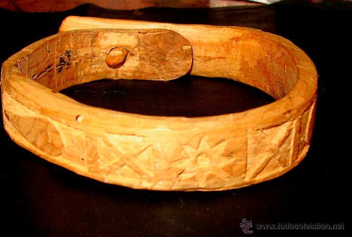 Antigüedades: PEQUEÑO COLLAR DE MADERA TALLADA. ARTESANO. - Foto 2 - 54571490