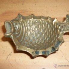 Antigüedades: CENICERO DE BRONCE FORMA DE PEZ. Lote 54573285
