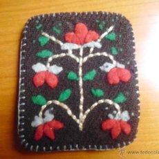 Antigüedades: ESCAPULARIO CON FUNDA BORDADA. Lote 54518320