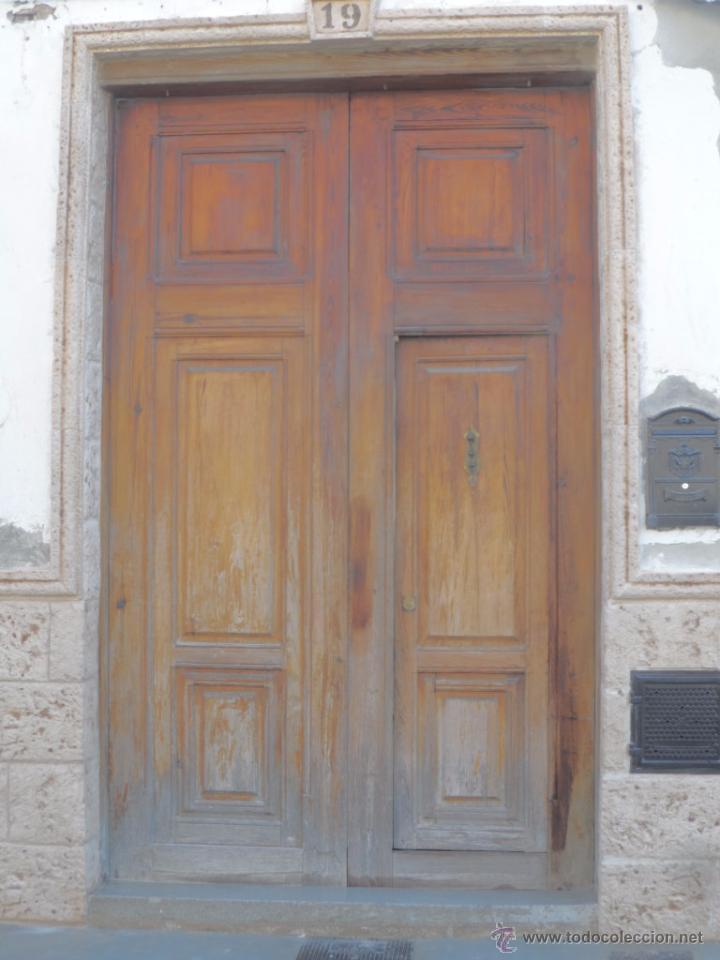 Puerta de casa antigua madera mobila grandes pu comprar for Puertas grandes antiguas