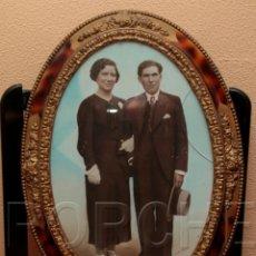 Antigüedades: 1 MARCO DE MADERA OVALADO AÑOS 40-50 - 55,5X40 CM - CON FOTO - FOTOFRAFO REIG TARRASA 47X31 CM-. Lote 54596643