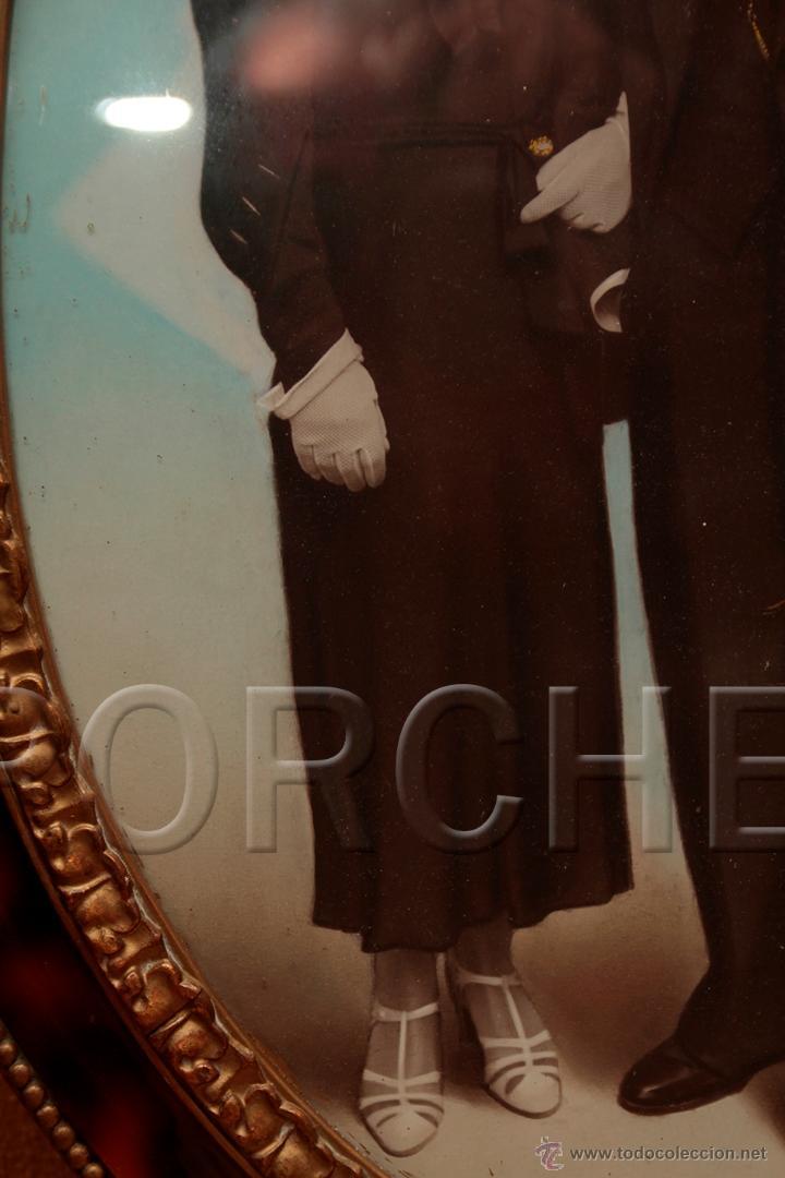 Antigüedades: 1 MARCO DE MADERA OVALADO AÑOS 40-50 - 55,5X40 cm - CON FOTO - FOTOFRAFO REIG TARRASA 47X31 cm- - Foto 3 - 54596643