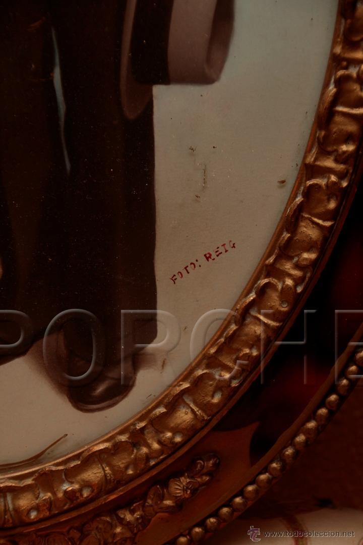 Antigüedades: 1 MARCO DE MADERA OVALADO AÑOS 40-50 - 55,5X40 cm - CON FOTO - FOTOFRAFO REIG TARRASA 47X31 cm- - Foto 4 - 54596643