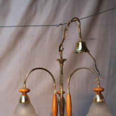 Antigüedades: LAMPARA DE TECHO DE 3 LUCES EN METAL MADERA Y CRISTAL . Lote 54600678