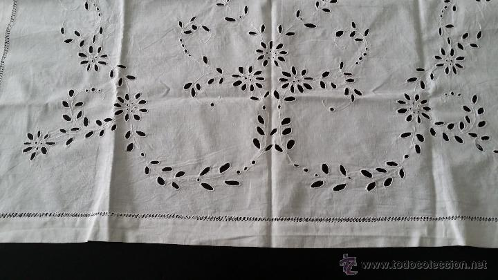 Antigüedades: Antiguo tapete bordado - Foto 4 - 54601310