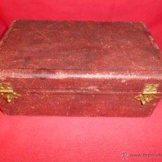 Antigüedades: ANTIGUA CAJA DE MADERA FORRADA. Lote 54619533