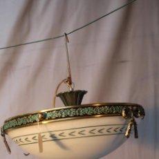 Antiquités: LAMPARA DE TECHO EN METAL CON PANTALLA DE CRISTAL. Lote 54623589