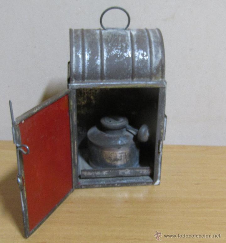FAROL DE ACEITE PARA CARRUAJE 14 X 7 X 8 CMS APROX. EN LATON (Antigüedades - Iluminación - Faroles Antiguos)