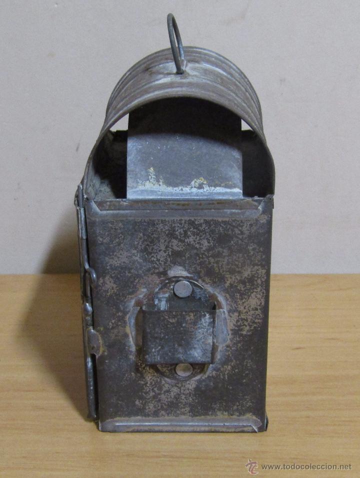Antigüedades: FAROL DE ACEITE PARA CARRUAJE 14 X 7 X 8 CMS APROX. EN LATON - Foto 3 - 54637146