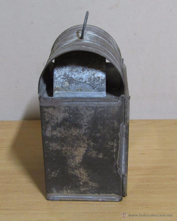 Antigüedades: FAROL DE ACEITE PARA CARRUAJE 14 X 7 X 8 CMS APROX. EN LATON - Foto 5 - 54637146