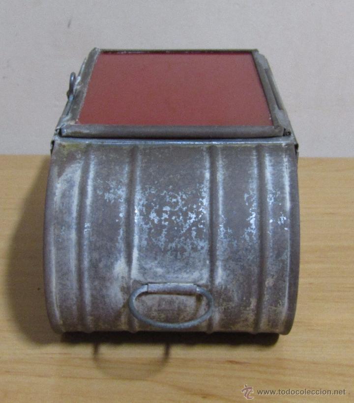 Antigüedades: FAROL DE ACEITE PARA CARRUAJE 14 X 7 X 8 CMS APROX. EN LATON - Foto 7 - 54637146