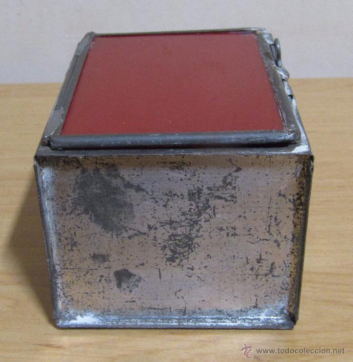 Antigüedades: FAROL DE ACEITE PARA CARRUAJE 14 X 7 X 8 CMS APROX. EN LATON - Foto 8 - 54637146