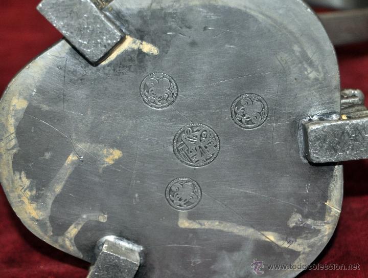 Antigüedades: CURIOSA JARRA EN ESTAÑO DEL SIGLO XIX CON MOTIVOS ORIENTALES - Foto 13 - 54648428