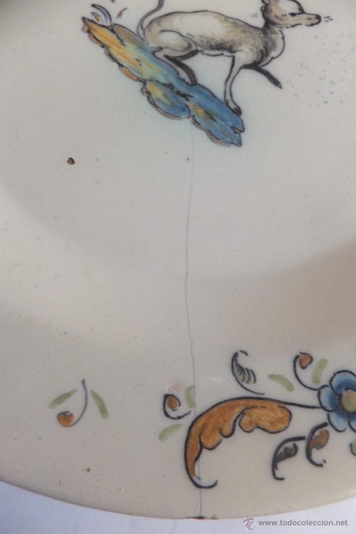 Antigüedades: Plato de vajilla ceramica Talavera Ruiz de Luna con zorro - Foto 4 - 54662341
