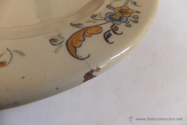 Antigüedades: Plato de vajilla ceramica Talavera Ruiz de Luna con zorro - Foto 10 - 54662341