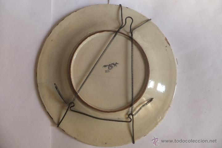 Antigüedades: Plato de vajilla ceramica Talavera Ruiz de Luna con zorro - Foto 11 - 54662341