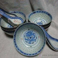 Antigüedades: BOL Y CUCHARA DE PORCELANA CHINA PARA ARROZ - LOTE DE 7 BOLES Y 8 CUCHARAS. Lote 54668045