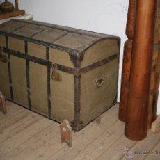 Antigüedades: BAÚL DE MADERA REFORZADO CON CHAPA. Lote 54730522