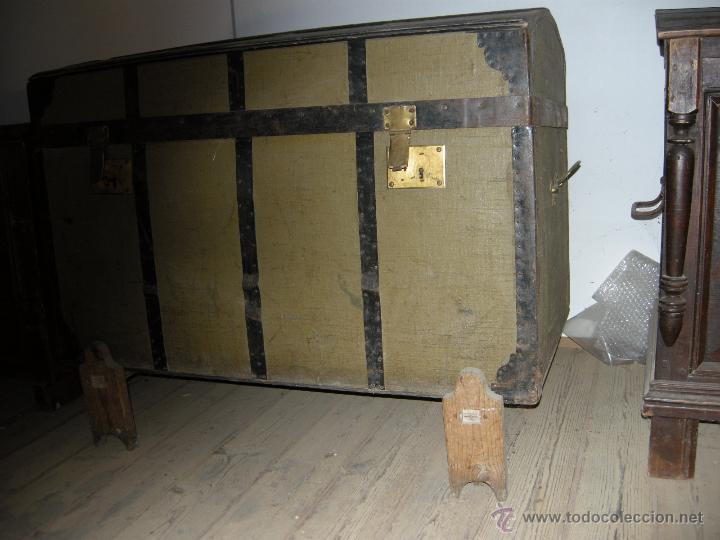 Antigüedades: Baúl de madera reforzado con chapa - Foto 2 - 54730522