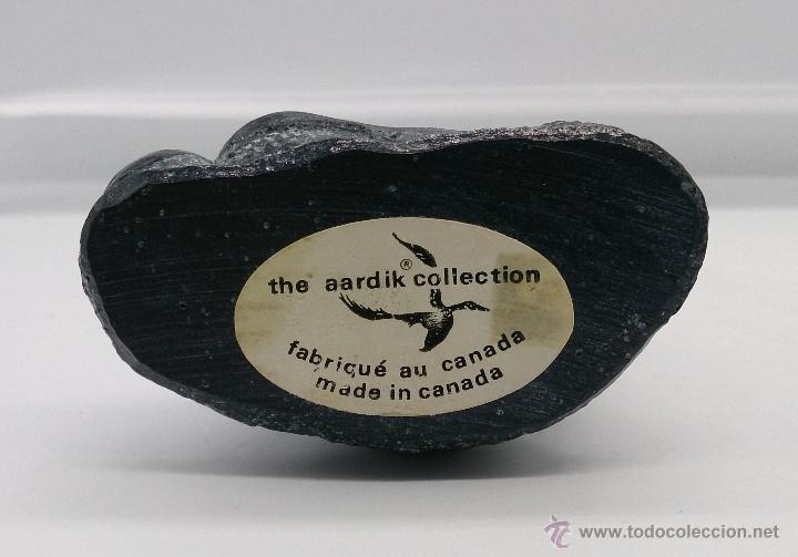 Antigüedades: Figura antigua en piedra tallada a mano de arte Canadiense, ( foca sobre roca ) . - Foto 8 - 54750400