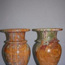 Antigüedades: PRECIOSA PAREJA DE JARRONES COPAS EN ÓNICE - ONIX. Lote 54750825