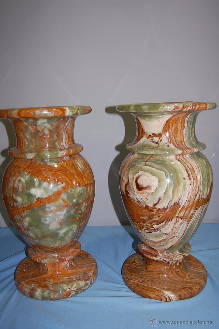 Antigüedades: PRECIOSA PAREJA DE JARRONES COPAS EN ÓNICE - ONIX - Foto 2 - 54750825