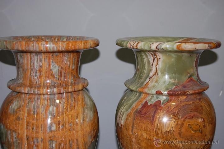 Antigüedades: PRECIOSA PAREJA DE JARRONES COPAS EN ÓNICE - ONIX - Foto 3 - 54750825