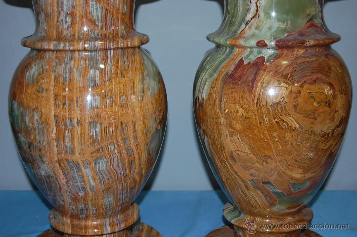 Antigüedades: PRECIOSA PAREJA DE JARRONES COPAS EN ÓNICE - ONIX - Foto 4 - 54750825