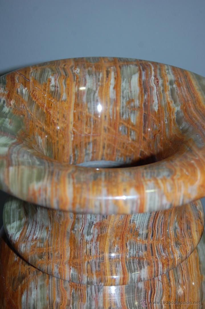 Antigüedades: PRECIOSA PAREJA DE JARRONES COPAS EN ÓNICE - ONIX - Foto 7 - 54750825