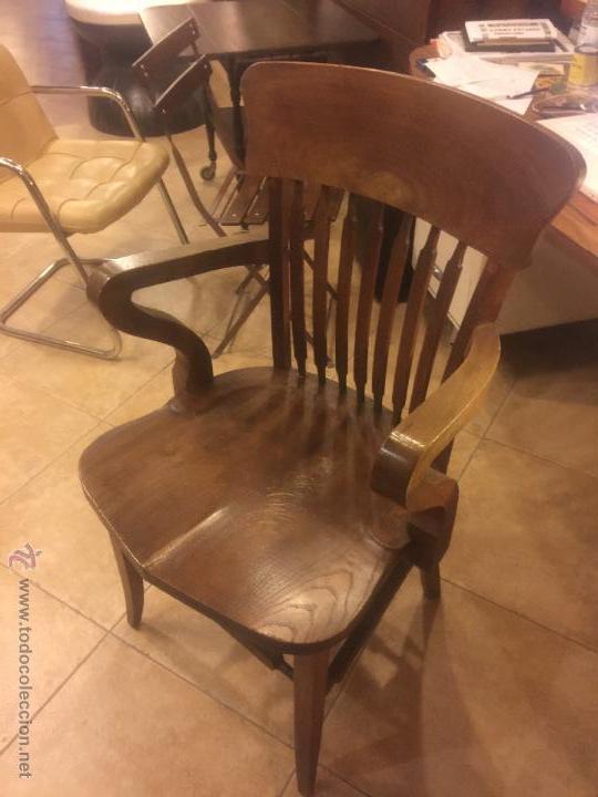 Sillones de despacho best silln de piel brazos de madera for Sillones para despachos