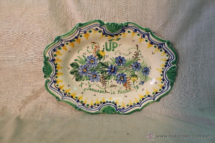 BANDEJA EN CERAMICA DE LARIO (UP X JORNADAS LA MANGA 98) (Antigüedades - Porcelanas y Cerámicas - Lario)