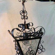 Antigüedades: LAMPARA DE TECHO FAROL EN HIERRO DE FORJA CON CRISTALES. Lote 54776907