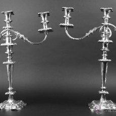 Antigüedades: PAREJA DE CANDELABROS 3 LUCES. METAL PLATEADO. CINCELADO. WARING'S LONDON. XIX.. Lote 54314580