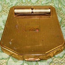 Antigüedades: ESTUCHE POLVERA-PINTALABIOS. METAL DORADO. CORONA PARIS. FRANCIA. CIRCA 1935. Lote 54368428