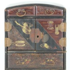 Antigüedades: JOYERO EN MADERA LACADA. REMATES EN METAL. CHINA ?. SIGLO XIX.. Lote 54485259