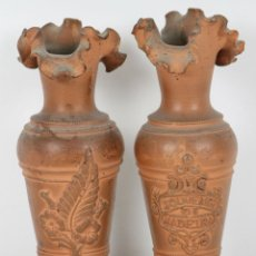 Antigüedades: PAREJA DE FLOREROS EN TERRACOTA. SOUVENIR DE MADEIRA. SIGLO XIX. Lote 54630253