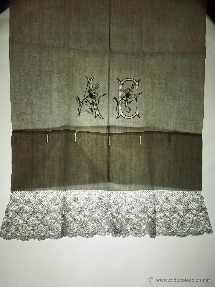 PAREJA DE FUNDAS DE ALMOHADA. LINO BORDADO A MANO. ENCAJE BOLILLOS. ESPAÑA. XIX. (Antigüedades - Hogar y Decoración - Sábanas Antiguas)