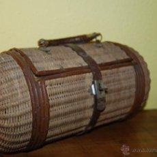 Antigüedades: ANTIGUO BOLSO DE MIMBRE, CUERO Y METAL - PARA PLAYA O BALNEARIO - CIRCA 1900. Lote 54794918