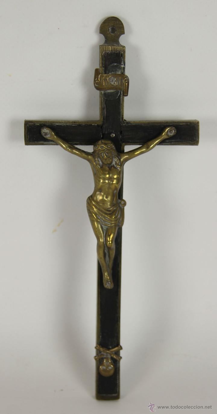 CRUCIFIJO EN MADERA Y BRONCE. SIGLO XIX. (Antigüedades - Religiosas - Crucifijos Antiguos)