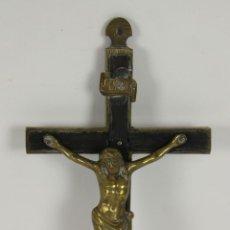 Antigüedades: CRUCIFIJO EN MADERA Y BRONCE. SIGLO XIX.. Lote 52292451