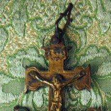 Antigüedades: CRUZ DE CARAVACA. RELIQUIARIO (ENCOLOPION). BRONCE CINCELADO. ESPAÑA. XVIII-XIX.. Lote 52784982